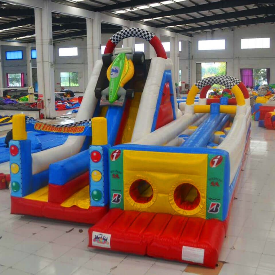 Racing Run obstacle course